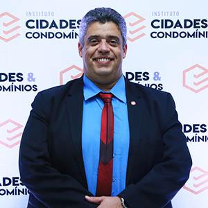 Dr. Anderson Machado